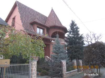 Schöne Villa mit Garten
