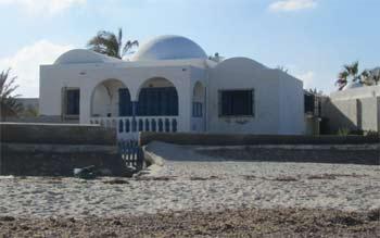 Wohnhaus im Mittelmeer auf Djerba