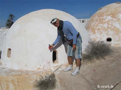Measurement of IR radiation at a dome in Tunisia (Peter Rauch PhD)
