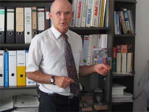 Dipl.-Ing.oec., Ing. Peter Rauch selbst gelernter Handwerker, vermittelt Erfahrungen aus der Planung und Ausführung.
